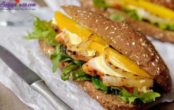 món ăn hà nội, cách làm bánh mì sandwich gà với sốt xoài 9