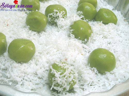 Cách làm bánh nếp lăn dừa thơm ngon hấp dẫn 4
