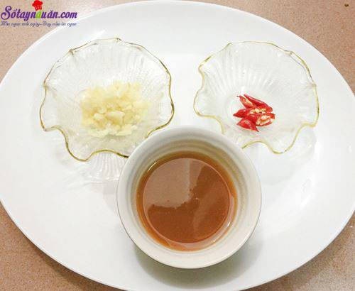 Cách nấu canh chua mực thanh mát bổ dưỡng ngày hè 2