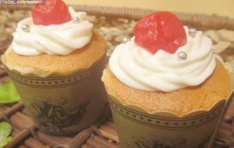 Nấu ăn món ngon mỗi ngày với Kem tươi, Công thức cho cupcake nhân kem chanh leo tuyệt ngon kết quả