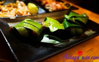 Nấu ăn món ngon mỗi ngày với Dầu hào, Gà gói lá dứa thơm ngon kiểu Thái