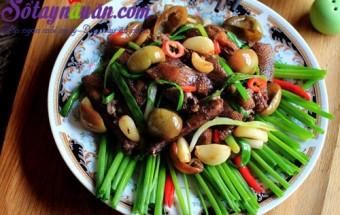 Nấu ăn món ngon mỗi ngày với Tiêu, Cách nấu bồ câu xào cà pháo muối