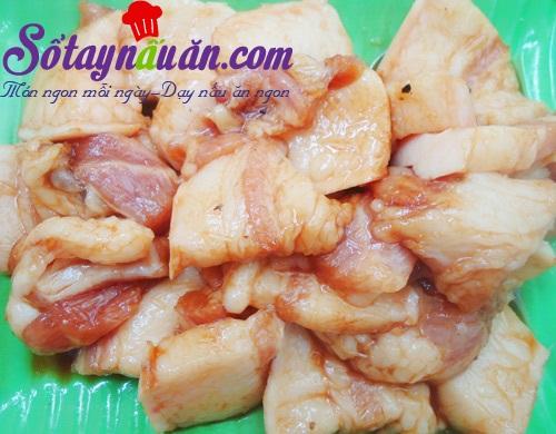 Học làm cá kho chuối đậm đà ngon cơm