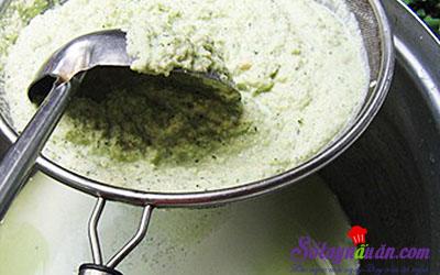 Cách làm sữa đậu nành lá dứa cho thời tiết se lạnh 7