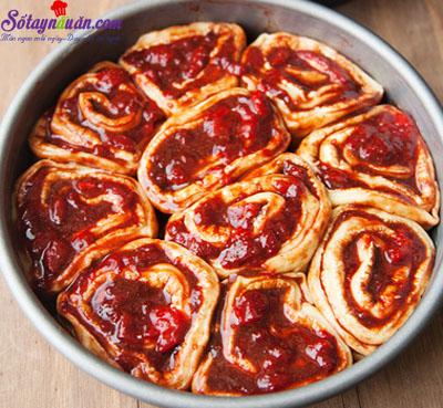 Công thức cho món bánh quế cuộn mứt dâu ngon tuyệt hảo 9