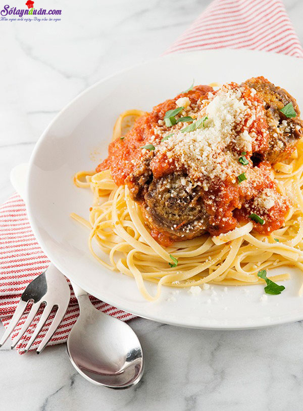 Thịt bò cuộn braciole ăn với pasta kiểu Ý  10
