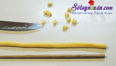 Cách làm bánh nhãn phủ đường cực dễ mà cực ngon 5