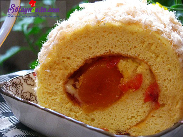 Công thức bánh bông lan cuộn trứng muối xốp mềm khó cưỡng kết quả