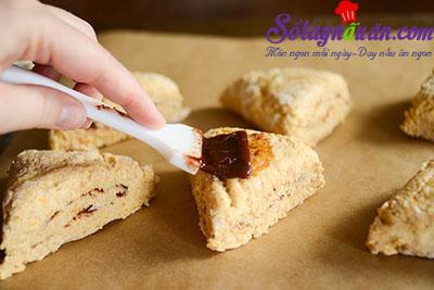 Hướng dẫn làm bánh scones hương quế giòn tan thơm ngon 10
