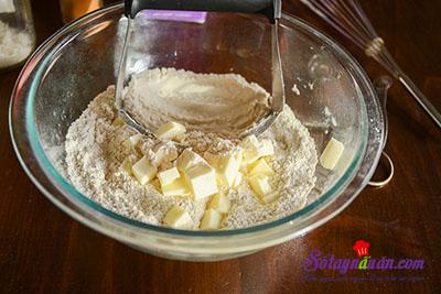 Hướng dẫn làm bánh scones hương quế giòn tan thơm ngon 3