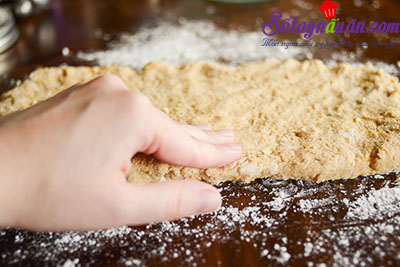 Hướng dẫn làm bánh scones hương quế giòn tan thơm ngon 6