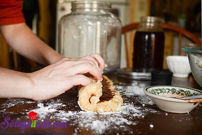 Hướng dẫn làm bánh scones hương quế giòn tan thơm ngon 8