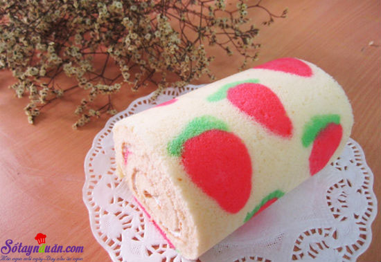 hướng dẫn làm bánh bông lan cuộn màu sắc 11