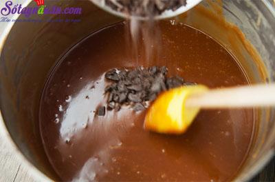 Cách làm kem socola caramel siêu hấp dẫn 5