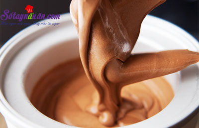 Cách làm kem socola caramel siêu hấp dẫn 9