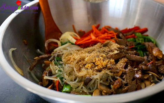 hướng dẫn làm miến xào thịt bò rau củ 5