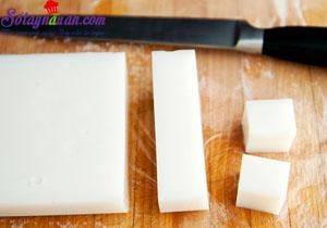 Cách làm thạch hạnh nhân trộn hoa quả ngon mê mẩn 5
