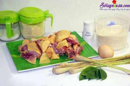 cách làm thịt gà rang muối 1
