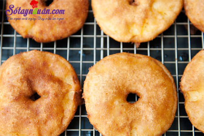 Công thức cho món bánh táo donut ngon mê ly 7