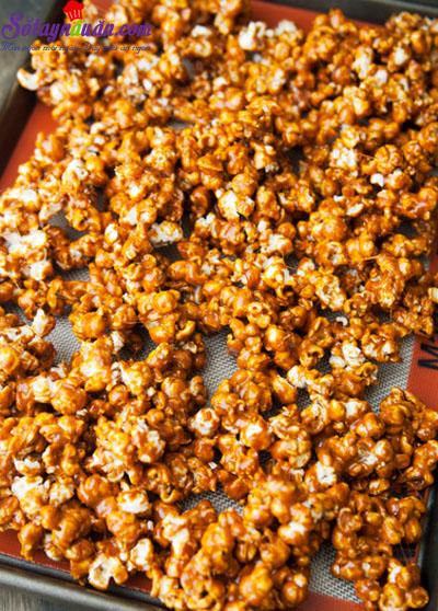 Bắp rang bơ caramel tự làm cực dễ cực ngon 6