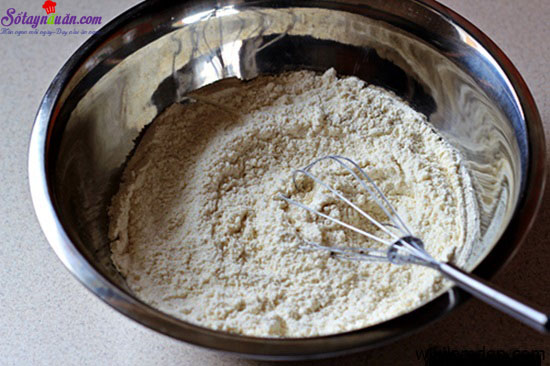 cahcs làm bánh bông lan caramel dừa 6