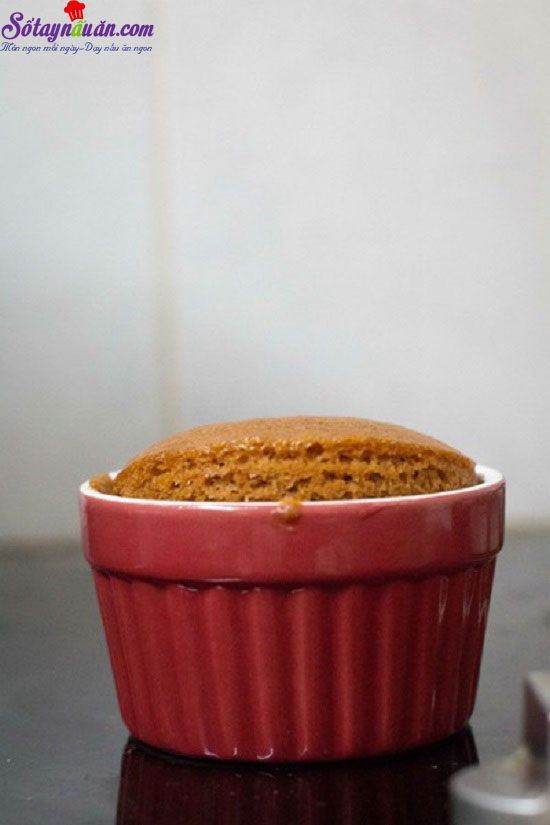 cách làm bánh bông lan caramel dừa 9