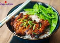 Cơm gà teriyaki ngon mê mẩn – bạn đã thử?