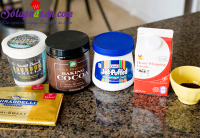 Mẹo làm sốt chocolate ăn kèm với kem ngon tuyệt vời nguyên liệu