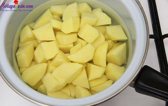 cách làm bánh cá hồi với khoai tây nghiền 1