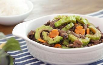 Nấu ăn, thịt bò xào mướp đắng 9