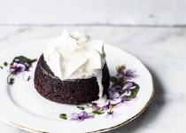 Làm bánh lava cake nhân caramel siêu hấp dẫn