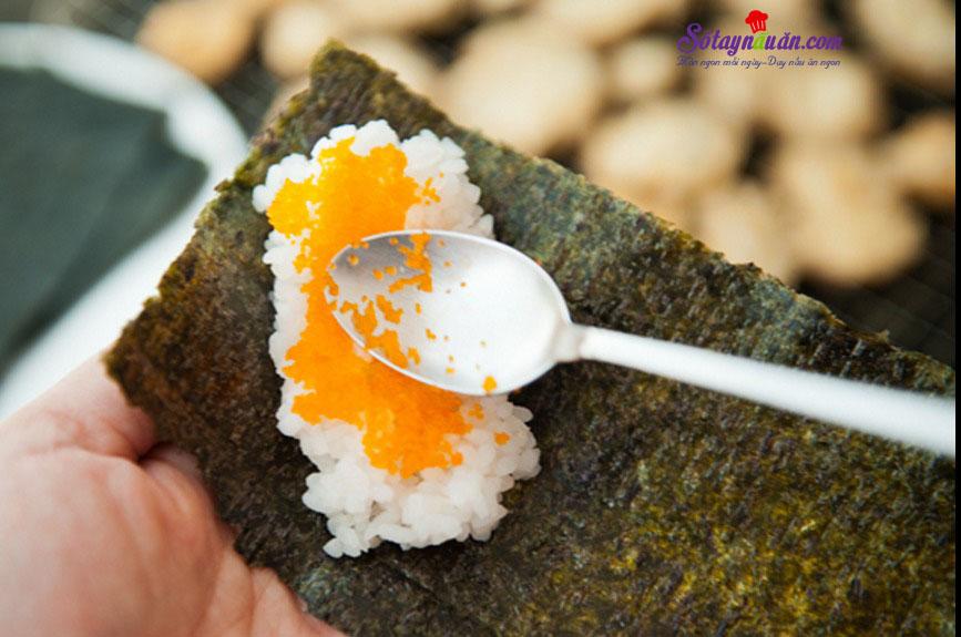 Làm sushi cuộn với nấm cực kì thơm ngon và giản đơn 6