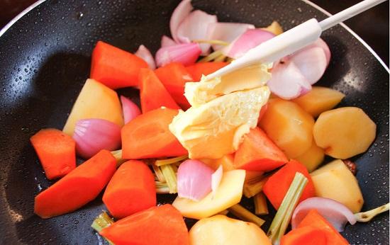 cách làm thịt bò hầm nấm kiểu Pháp 9