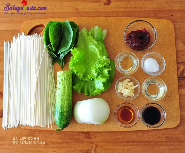 Tự tay làm mì trộn cay vị Hàn ngon không cưỡng được nguyên liệu