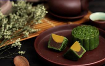 Nấu ăn món ngon mỗi ngày với Bột ngô, cách làm bánh trung thu trà xanh nhân trứng muối 5