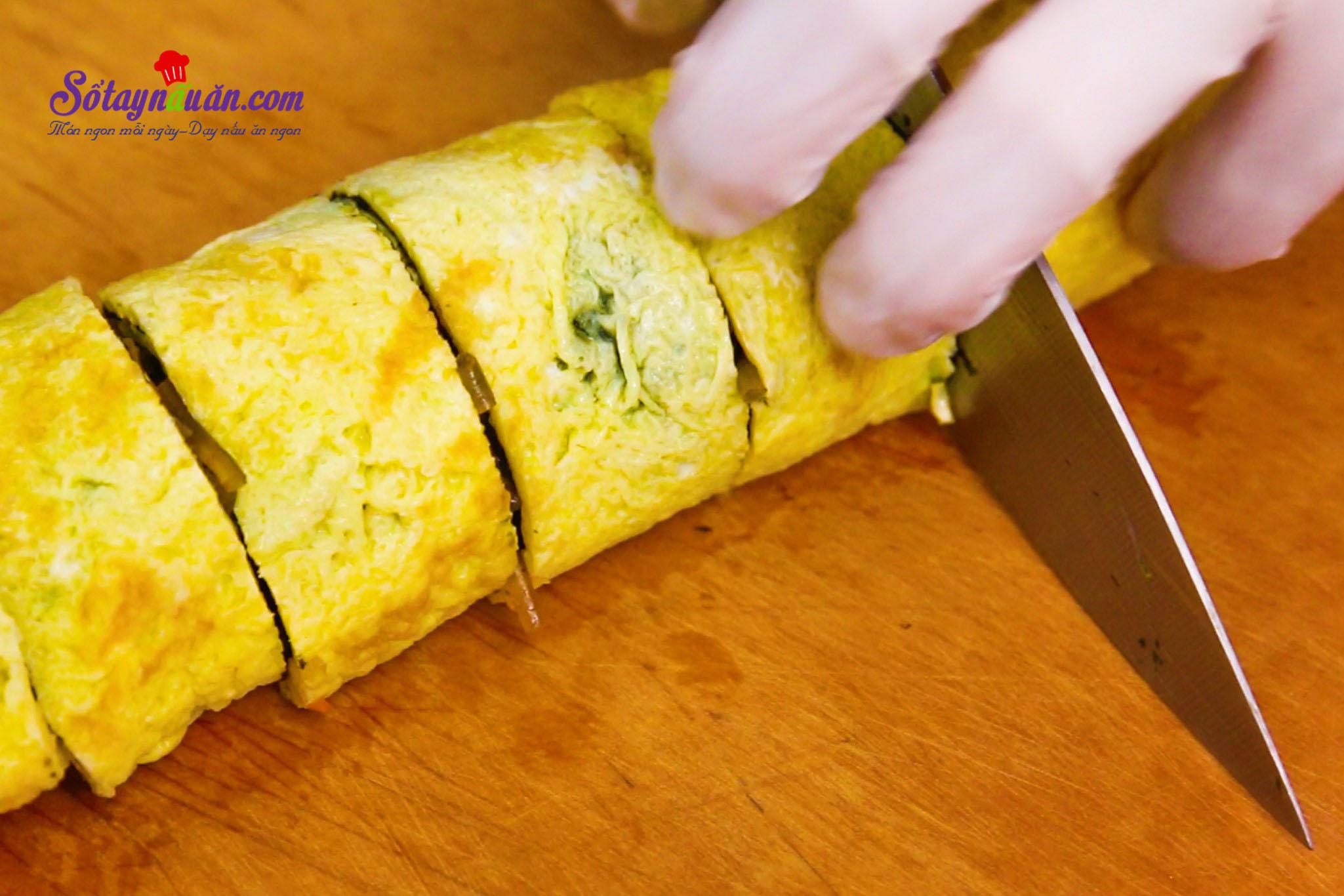 Kimbap nhân miến và trứng lạ mà ngon tuyệt 8