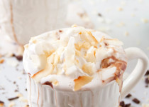 Cách làm whipped cream từ nước cốt dừa cực dễ