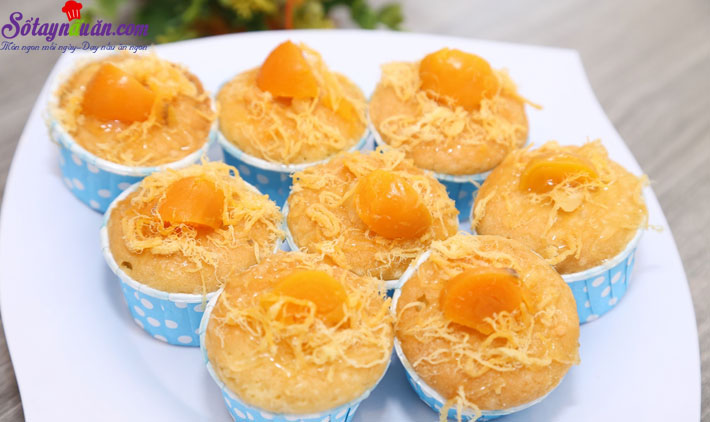 cách làm bánh bông lan trứng muối 10