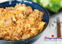 Cách làm cơm chiên kimchi cay mà tuyệt ngon
