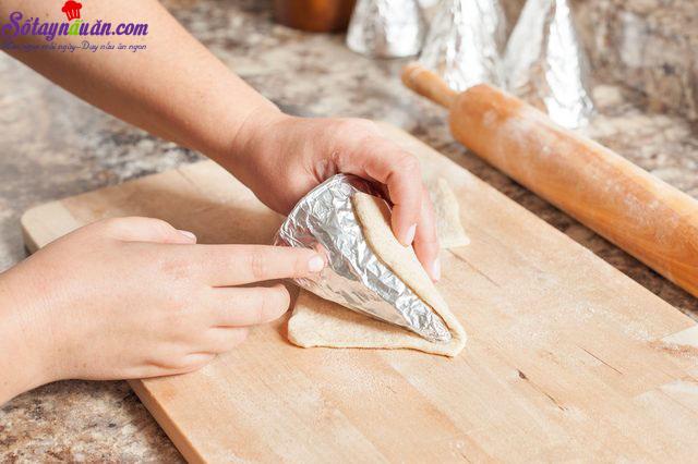 cách làm bánh pizza ốc quế 4