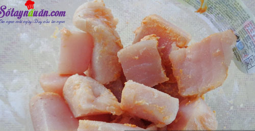 Hướng dẫn làm cá thu sốt cay ăn kèm cơm ngon tuyệt 1