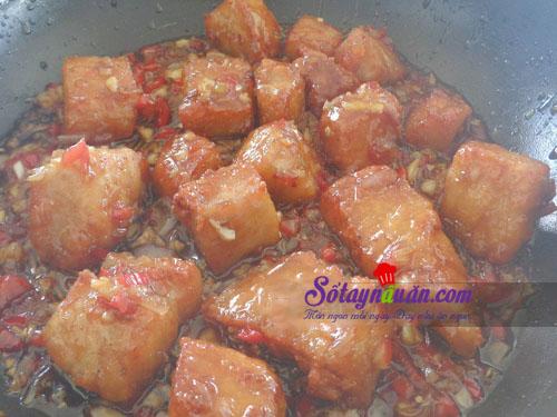 Hướng dẫn làm cá thu sốt cay ăn kèm cơm ngon tuyệt 6