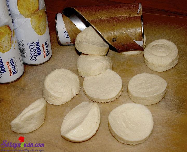 cách làm bánh quy bọc xúc xích 2