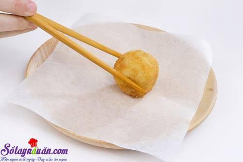 Cách làm khoai tây bọc phô mai chiên giòn ngon mê mẩn 5