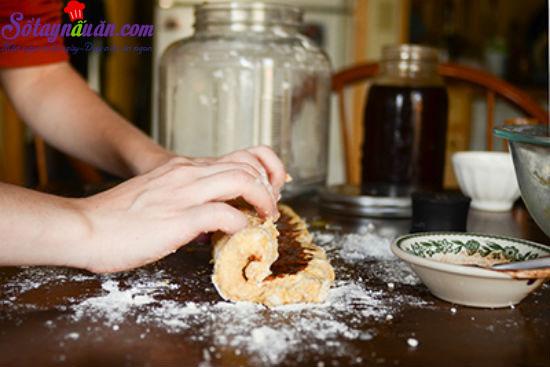 cách làm bánh scones cuộn hương quế 12