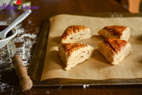 cách làm bánh scones cuộn hương quế 15
