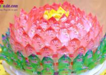 Cách làm hoa sen quả dứa bằng kẹo oishi