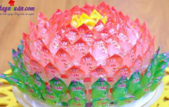 Món ăn Tết, cách làm hoa sen, quả dứa bằng kẹo oishi 3