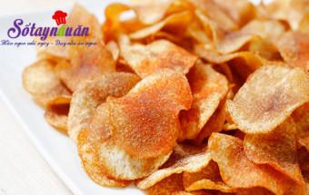 Nấu ăn món ngon mỗi ngày với 2 củ khoai tây, Tự làm bim bim khoai tây lắc muối ớt giòn sần sật