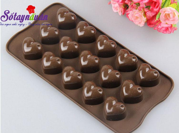 Cách làm socola trái tim cho valentine thêm ấm ấp 7